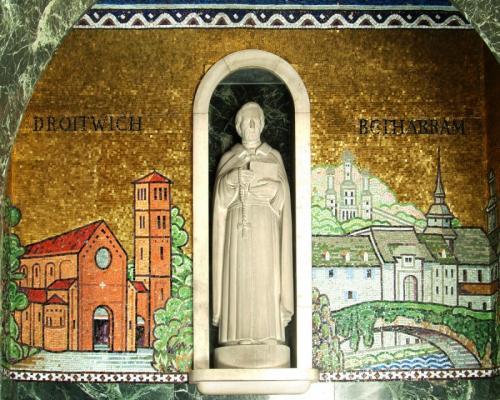 Altar wall (3)
